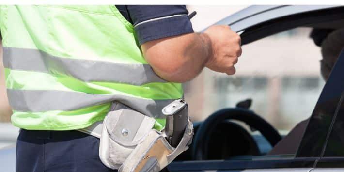 Contrôle de police : quelle est l'amende pour des pneus usés, lisses... ?