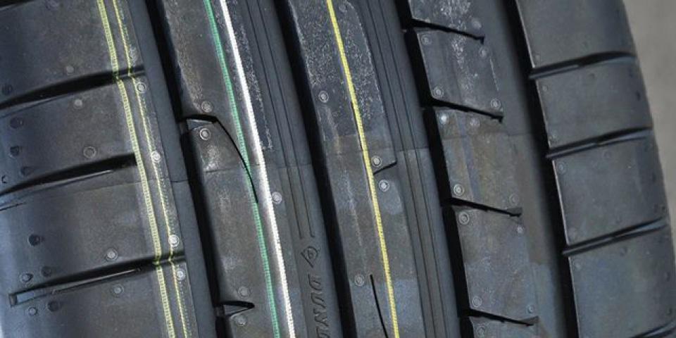 Bande de roulement Dunlop Sport Maxx RT2