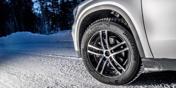 Bridgestone Blizzak LM005, le nouveau pneu hiver aux très bonnes performances approuvées sur neige et verglas