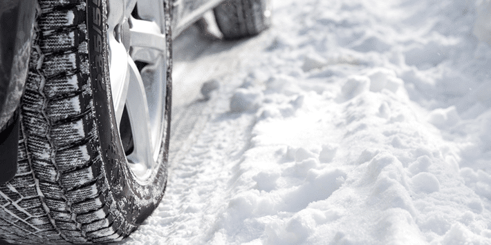 Changement de pneu : devez-vous monter 2 ou 4 pneus hiver ?