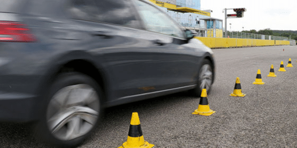 Test et comparatif de pneus été : Auto Bild teste les meilleurs pneus été en freinage