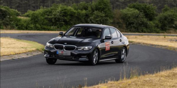 Test pneus hiver : ACE Lenkrad fait un comparatif sur sol sec pour berlines