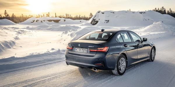 Test pneus hiver : meilleurs pneus pour une conduite sur neige dans le comparatif AMS