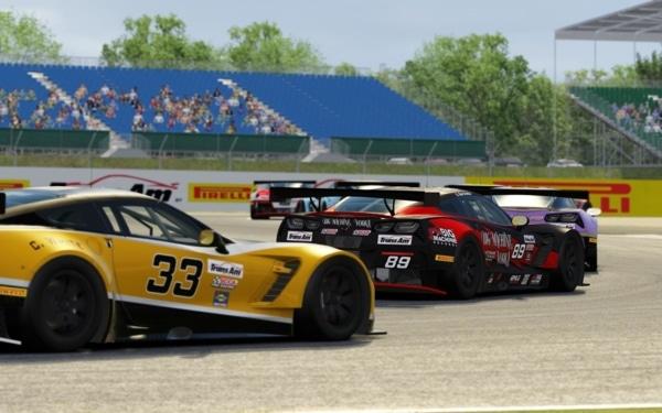 Trans AM par Pirelli esports : de la compétition sur simulateur automobile